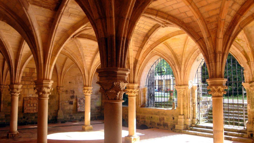abbaye-de-fontdouce-salle-capitulaire-300-dpi-%ef%bf%bd-abbaye-de-fontdouce